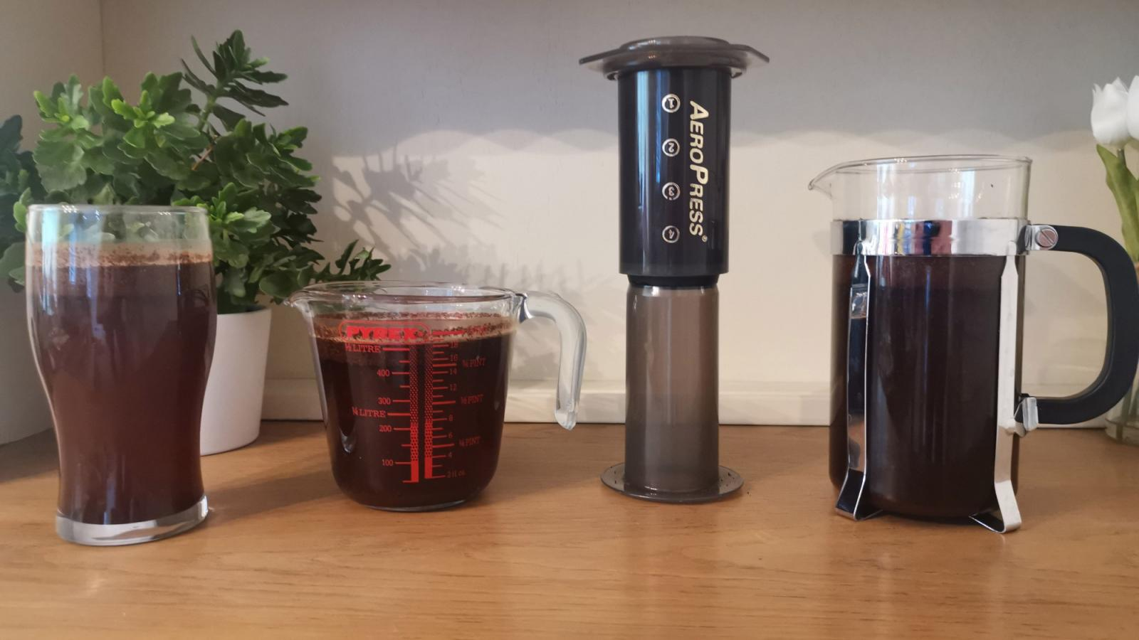 Making cold brew coffee at home